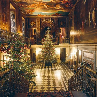 Derbyshire's Chatworth House beautifully adorned for Christmas
