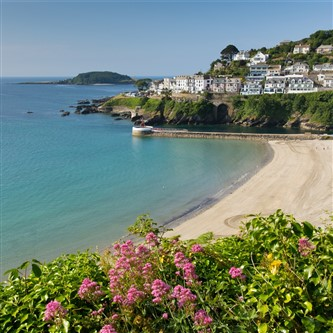 Beautiful sandy beach at Looe, Cornwall