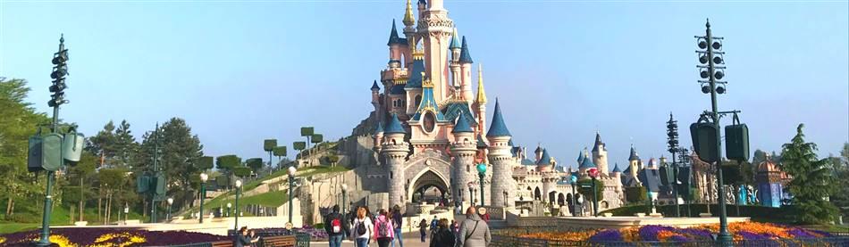 Arvonia Coach Holidays Disneyland Paris Disney S Hotel Santa Fe